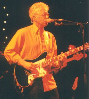 Bruce Cockburn in concert 2002 - Photo Tom Myers